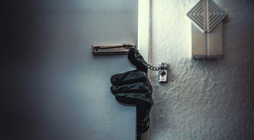 Ko darīt, ja Tavā mājoklī notikusi zādzība?