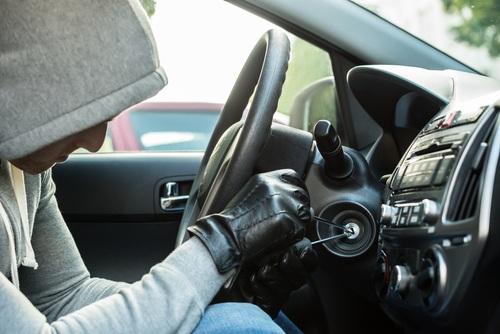 """Pāris """"triki"""", kā pasargāt savu auto no zādzības"""
