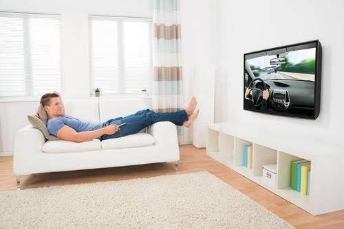 Top 5 interesantākie TV raidījumi par automašīnām