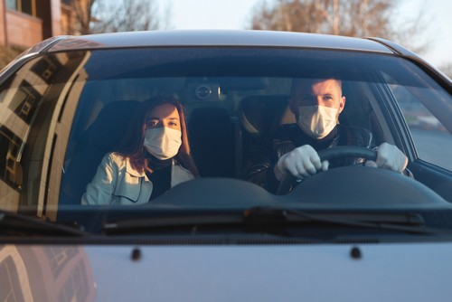 Vai sociālā distancēšanās jāņem vērā arī Tavā auto?