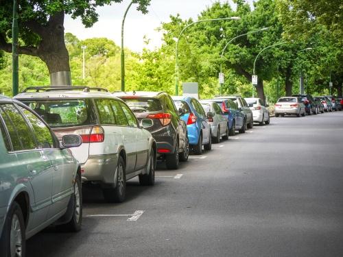 Kā noparkot auto kā īstam profesionālim?