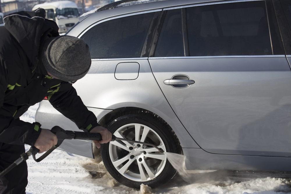 Auto mazgāšana ziemā – ko der zināt?