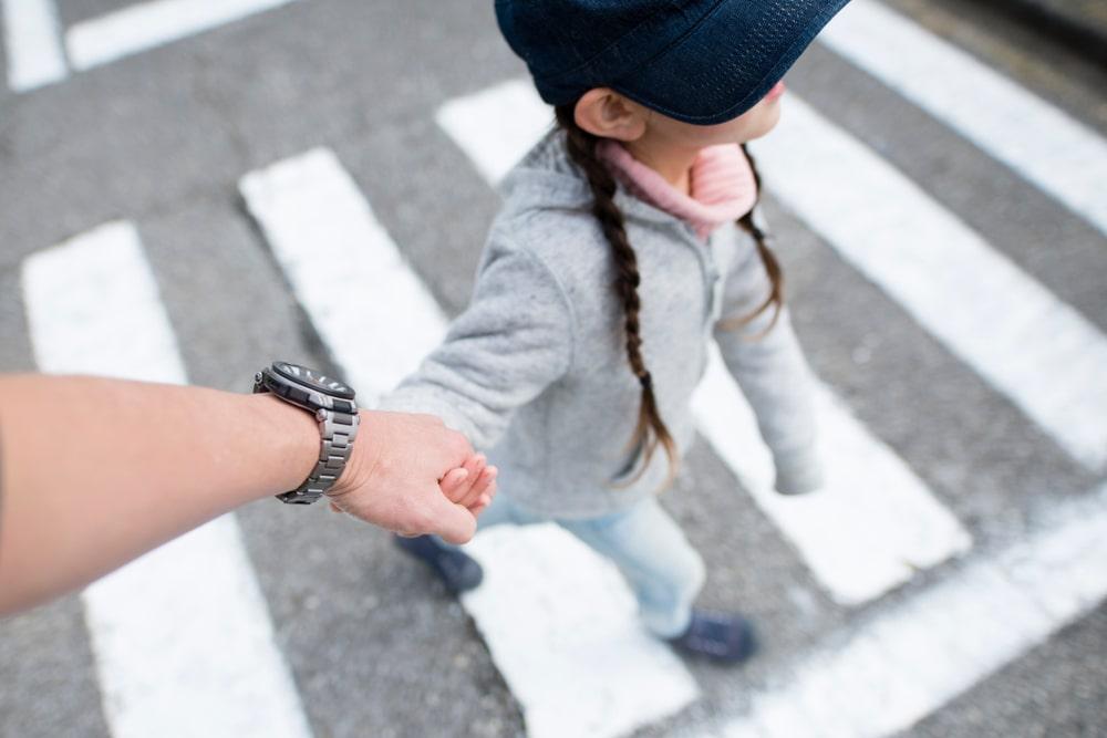 Ceļu satiksmes drošības noteikumi bērniem – Ko der zināt?