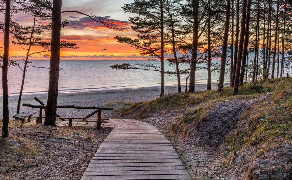 5 skaistākās vietas Latvijā, kur aizbraukt brīvdienās ar bērniem
