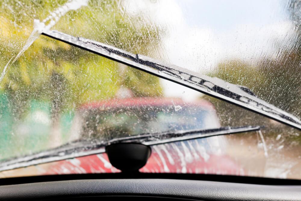 Auto logu slotiņas – kad ir pienācis laiks nomaiņai un kādas izvēlēties?