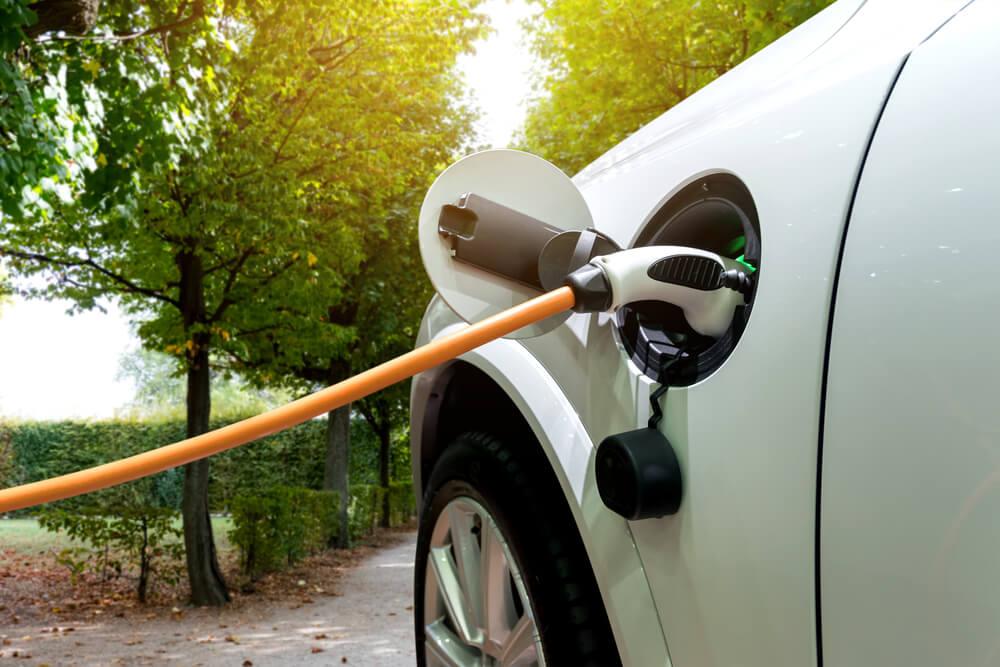 Elektroauto pircējiem būs iespējams saņemt valsts atbalstu līdz 4500 eiro